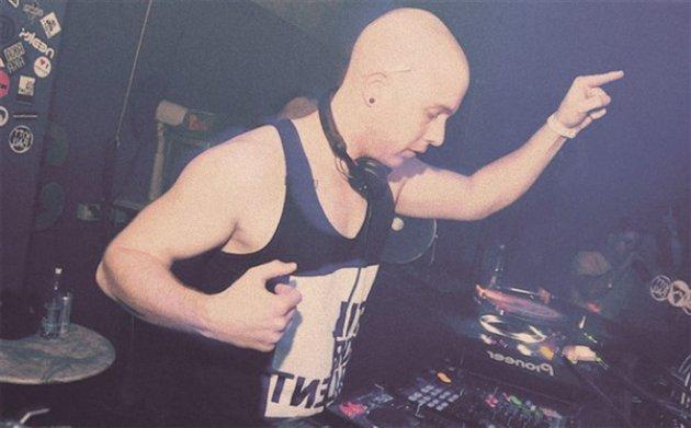 Baesi, DJ, auflegen