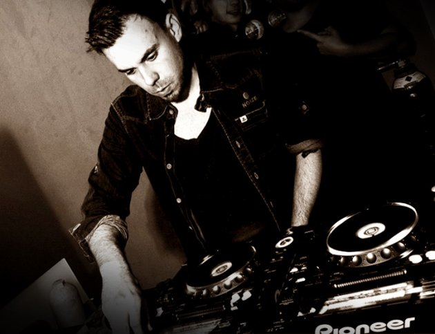 Ben Flowers, DJ Charts