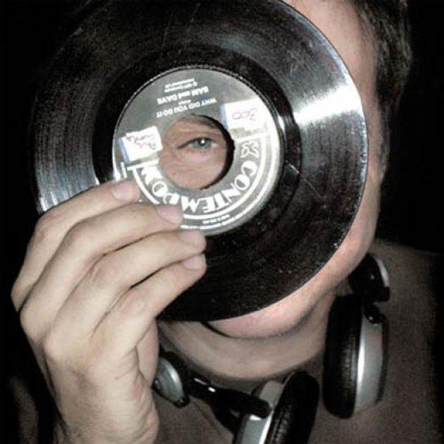 Raimund Flöck, Schallplatte, Vinyl, Auge, Eye, Guy, Man, Mann, Kopfhörer