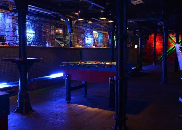 Crash, Club, Bar, Bühne, Vorraum, Disco, leer